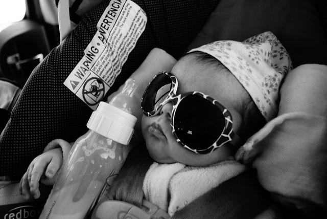 新生児に与えるミルクの量の目安 6ブランド紹介