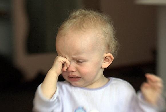 赤ちゃんが寝る動画8つと泣き止む動画6選