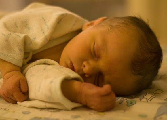 新生児の便秘 おならが臭いにはワケがある!