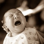 新生児が寝ない6つの原因と具体的な7つの対策