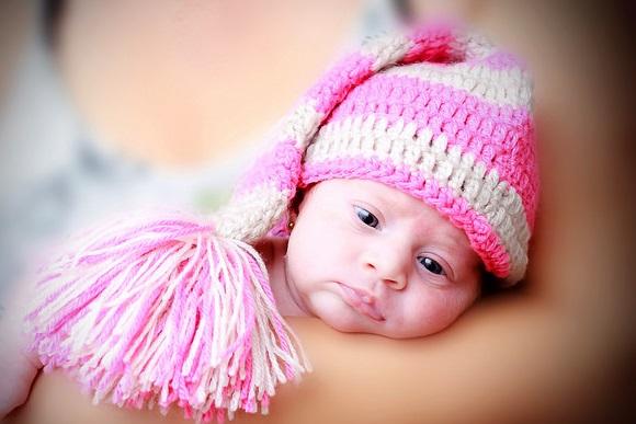 新生児の「抱き癖」はつけるほうがいい!
