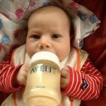 新生児の授乳時間と授乳の間隔