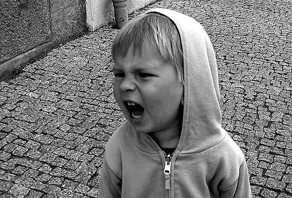 ドキッ!赤ちゃんが奇声をあげる5つの理由